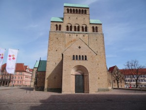 Hildesheimer Dom front Eingang